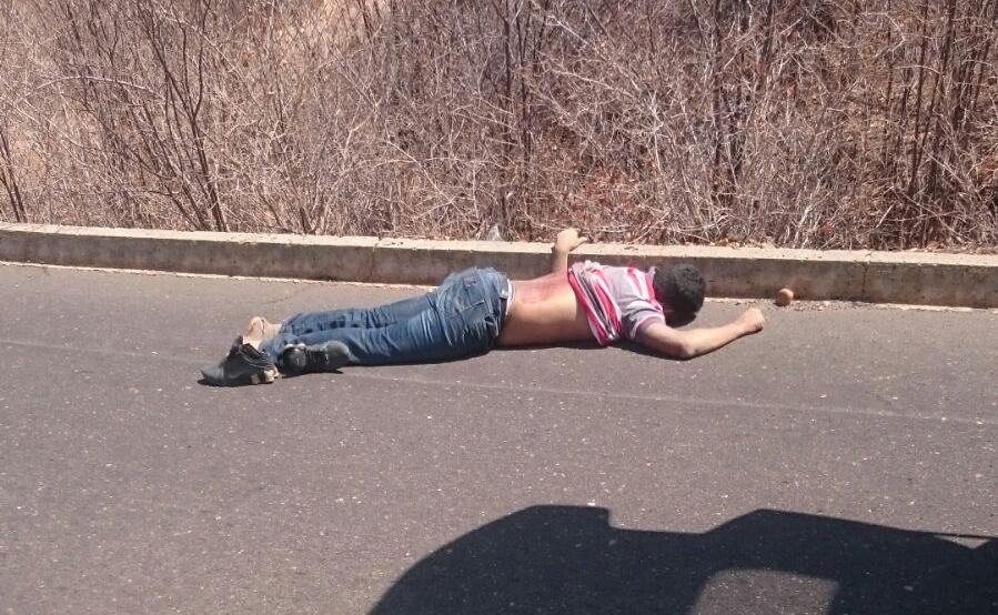 Photo of Empresário esfaqueia a ex-mulher e morre ao capotar carro durante fuga