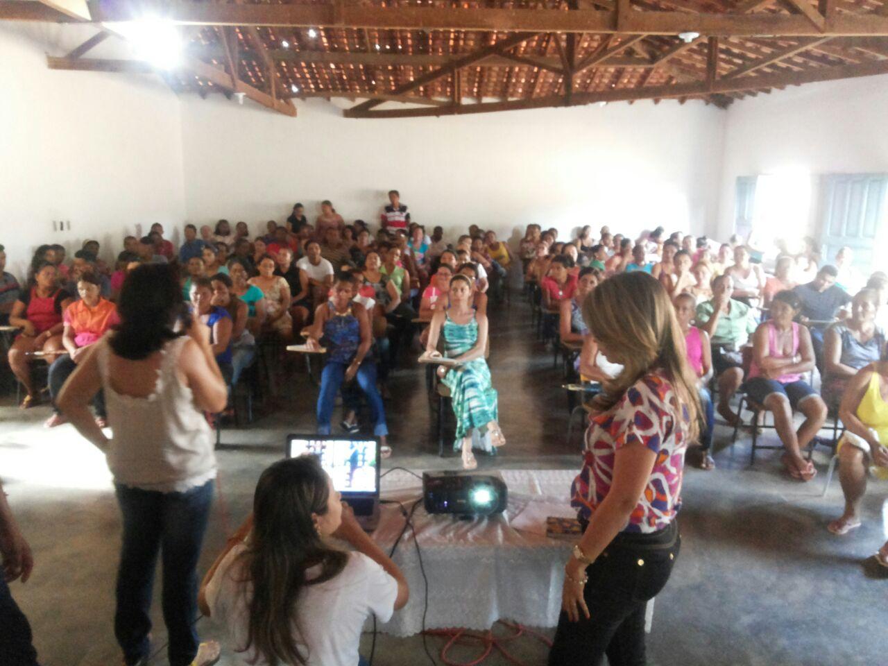 Photo of Prefeitura de Fartura do Piauí realiza reunião sobre relação familiar
