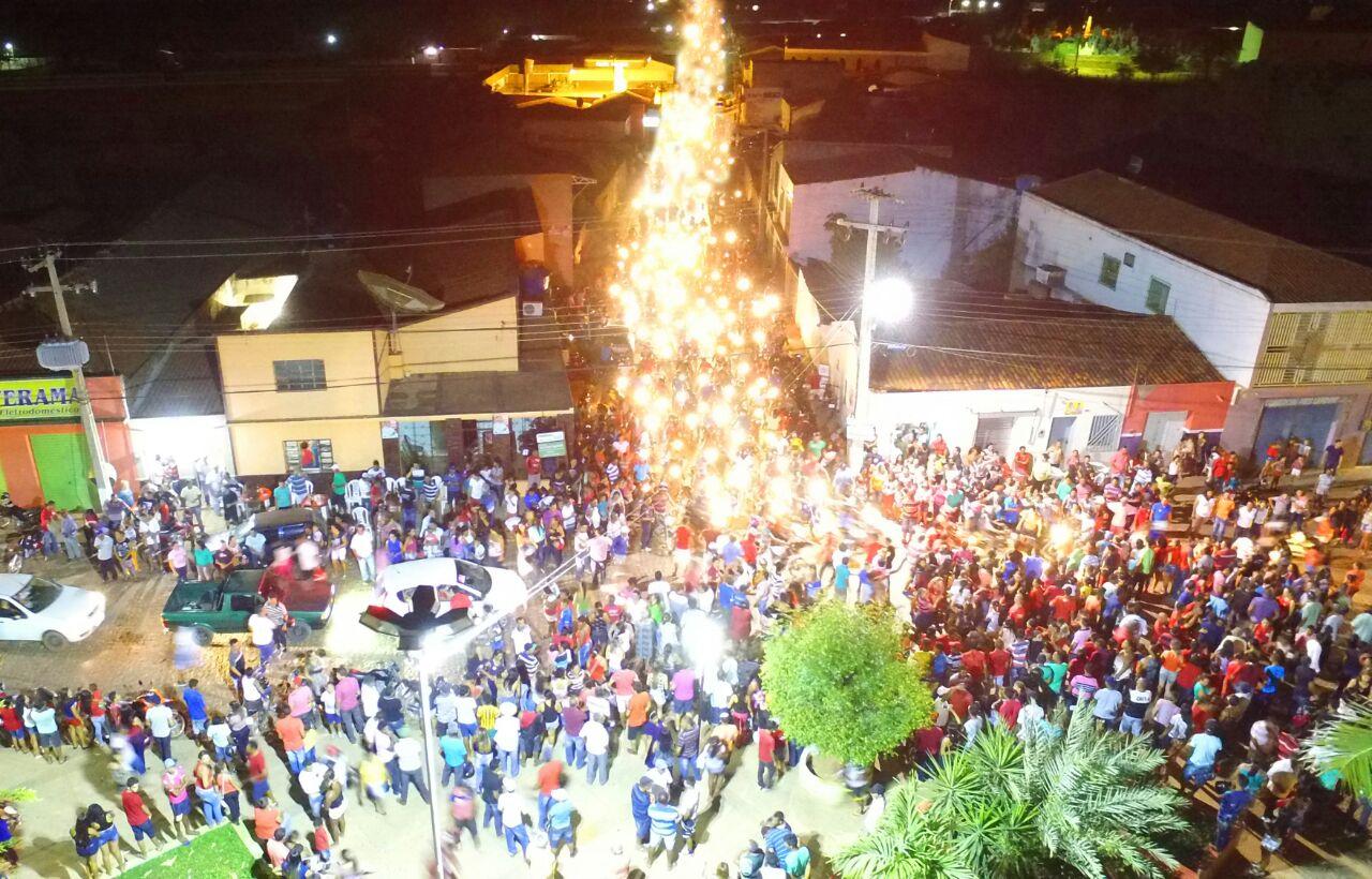 Photo of Luiz Henrique do PMDB faz mega carreata em Caracol-PI