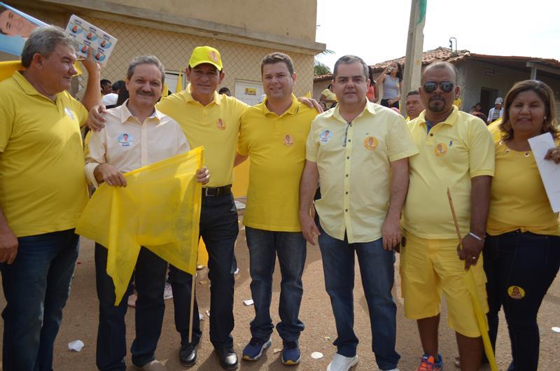Photo of Gilson Filho e Napoleão realizam a maior carreata da história de Caracol