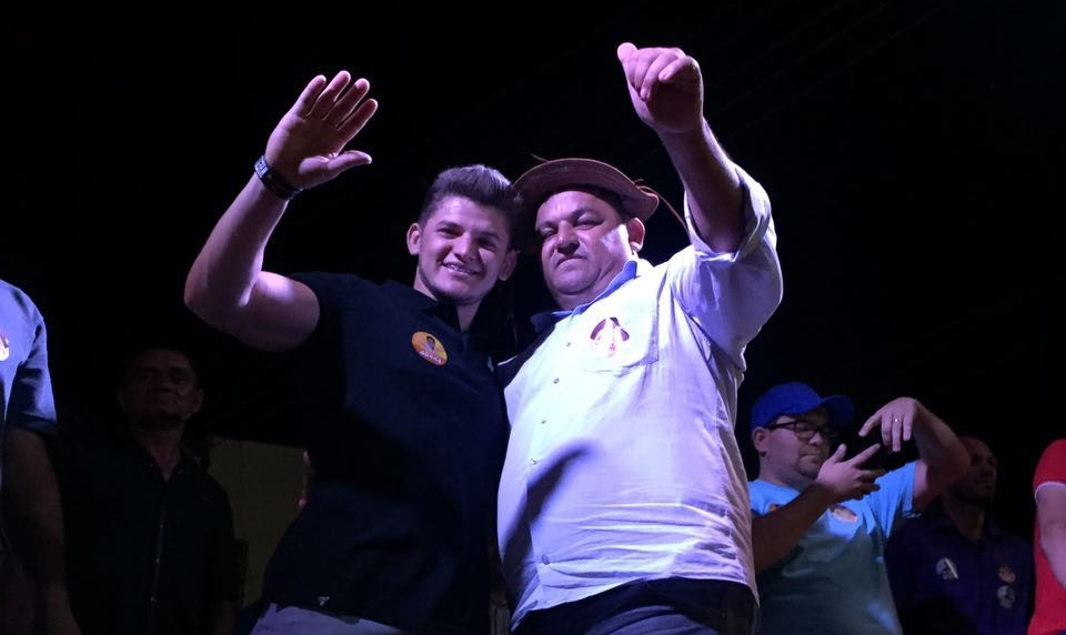 Foto de Carlão do Feijão é reeleito prefeito de Dirceu Arcoverde