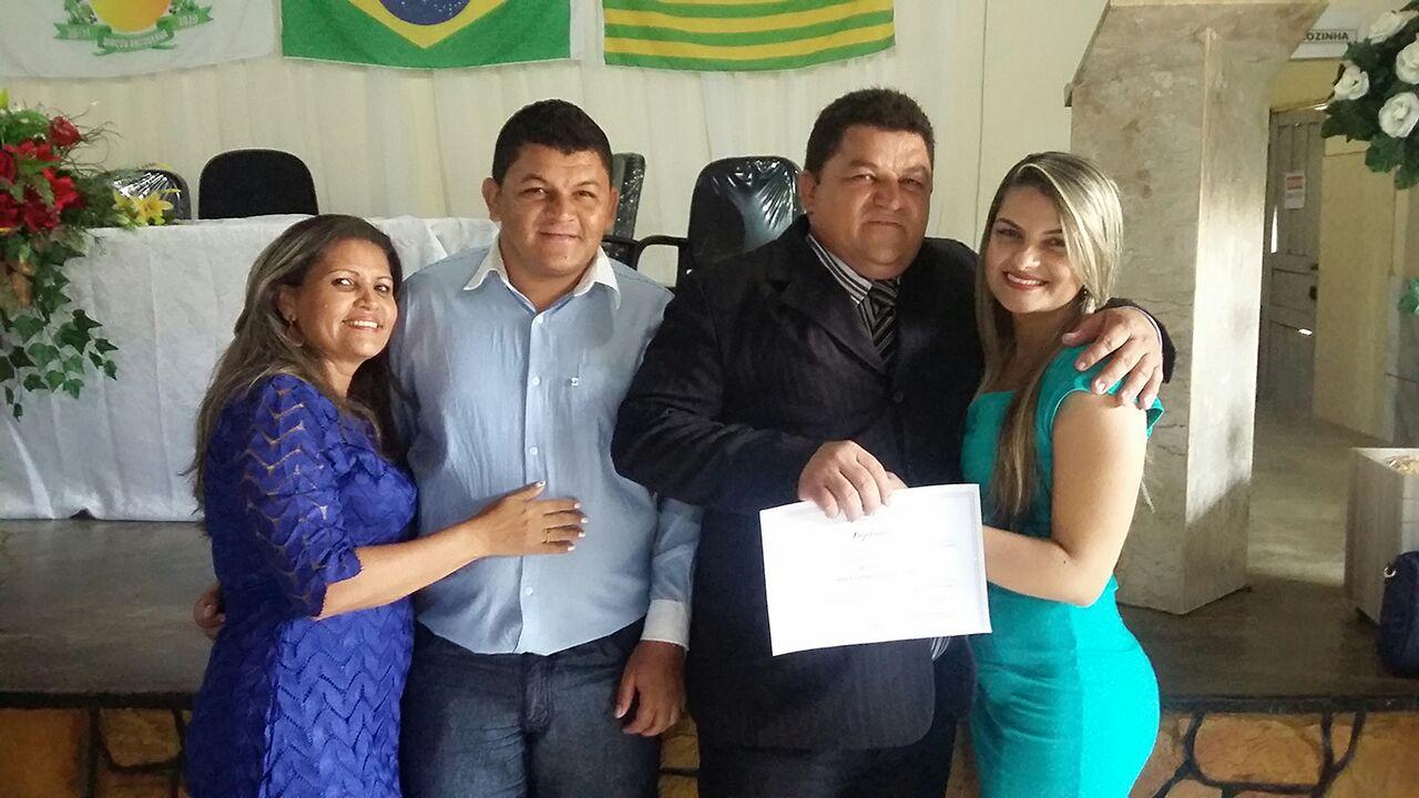 Foto de Carlão do Feijão é diplomado prefeito em Dirceu Arcoverde