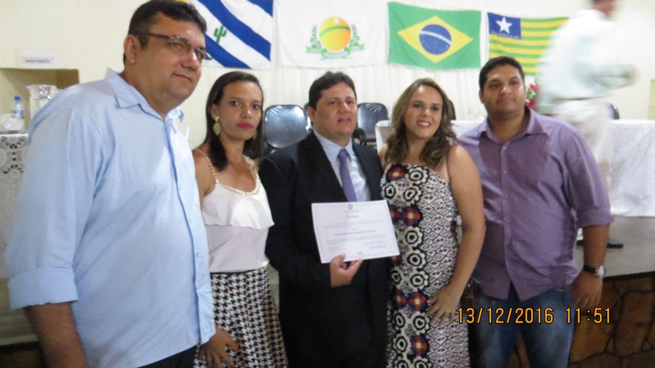 Photo of Dr. Laênio é diplomado como novo prefeito de Fartura do Piauí