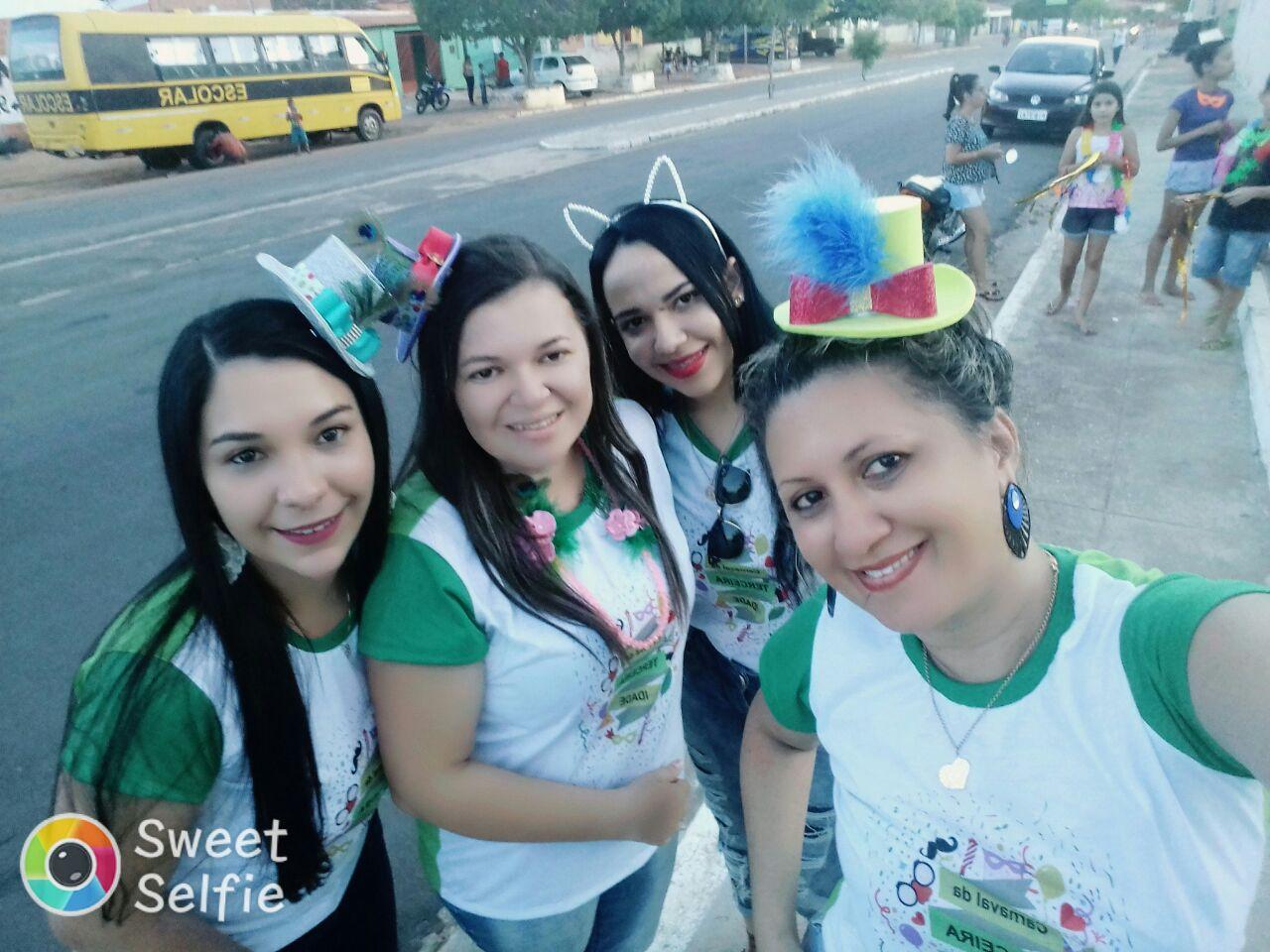 Foto de Prefeitura de Dirceu Arcoverde promove o Carnaval dos Idosos
