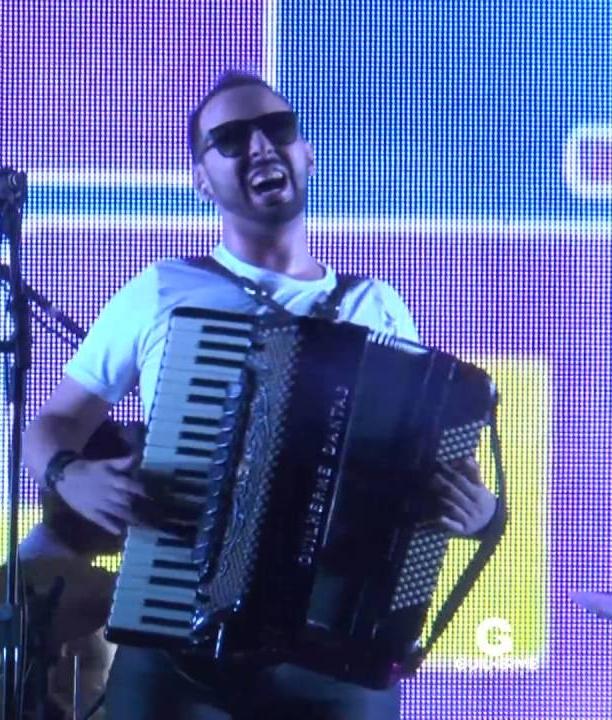Foto de Guilherme Dantas se apresenta hoje nos Festejos de Dirceu Arcoverde