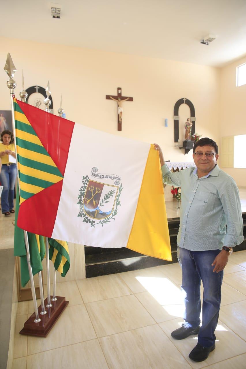 Foto de Prefeito Maninho realiza intensas homenagens para os 27 Anos de Coronel José Dias